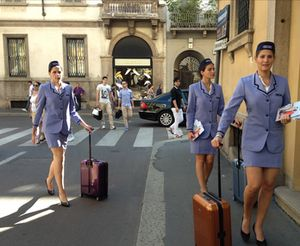 Rimowa girls to the ready, in Milan