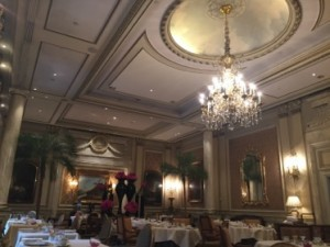 The glorious Le Cinq dining room
