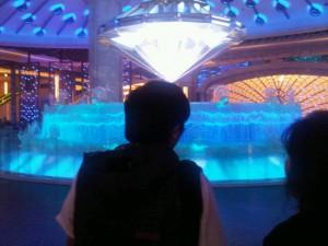 Luxury hotels and travel - lucky diamond half-hourly 'ballet' at Galaxy casino, Macau