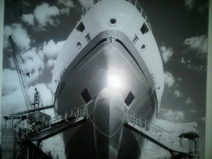 Luxury hotels and travel -- Liner photograph, bathroom wall, 420, Hotel Atlantic Kempinski Hamburg