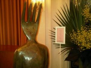 A man-size fork head Restaurant Plaza Athénée by Alain Ducasse