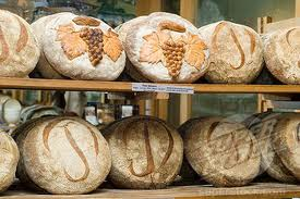 Luxury hotels and travel - A display of Poilâne loaves