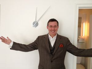 Philip Dailey and a (working) clock on a wall