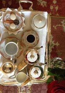 A perfect wake-up tea tray