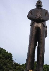 Statue of President Alvear