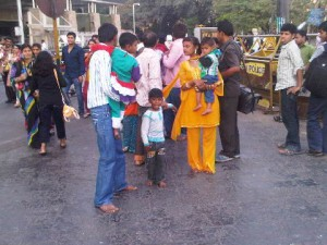 Bombay families parade in their Sunday-best
