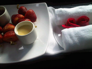 Strawberries in the Sofitel Santa Clara's car