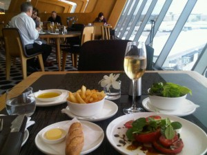 Pre-flight meal at Sydney airport's Qantas Firts Class lounge