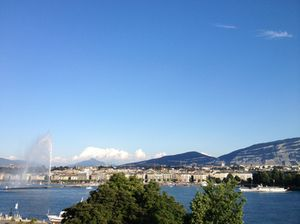Another view of the jet d'eau