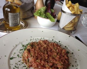 ..steak tartare, with frites