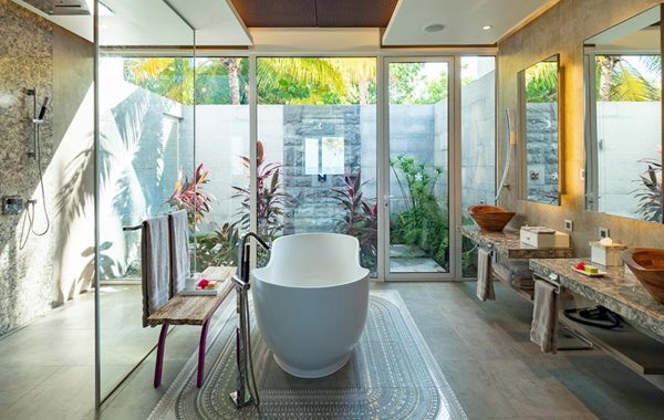 Bathroom - LUX* North Male Atoll double-storey penthouse residence in the Maldives