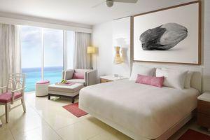 Grand Hyatt bedroom…
