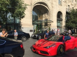 Was this Sebastian Vettel's day-car outside the hotel?