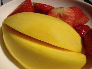 Mango and strawberries by British Airways