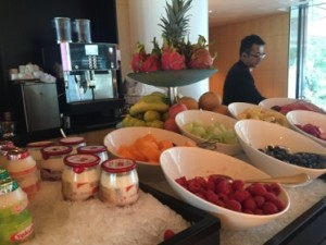 Healthy breakfast in the Club lounge