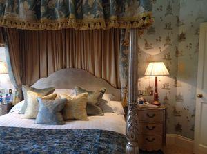 Suite 309's amazing bed
