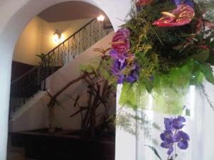 Real flowers at La Samanna's lobby