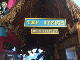 Entrance to the beach restaurant ...