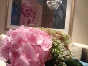 .. and looking at flowers, real and on the wall, in end suite 1607