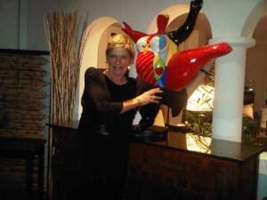 A colourful statue in La Samanna's lobby