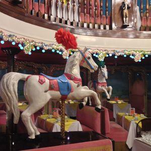 Circus horses really rise and fall