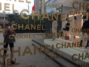 Chanel window at The Peninsula Beijing