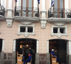 ..and even into the lowest floor of the Plaza Grande