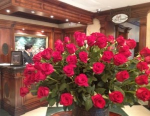 More red roses, in the lobby of Hotel Plaza Grande
