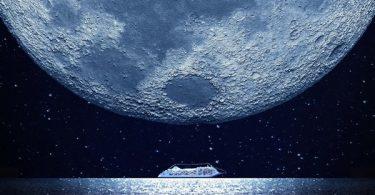 Silver Moon luxury cruise ship by Silversea