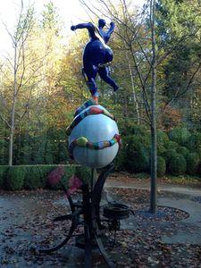 Niki de Saint-Phalle's dancer above her husband's base